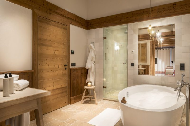 Kitzbuehel Lodge bathroom