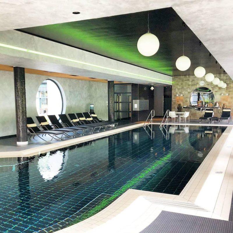 Linsberg Asia Hotel Pool